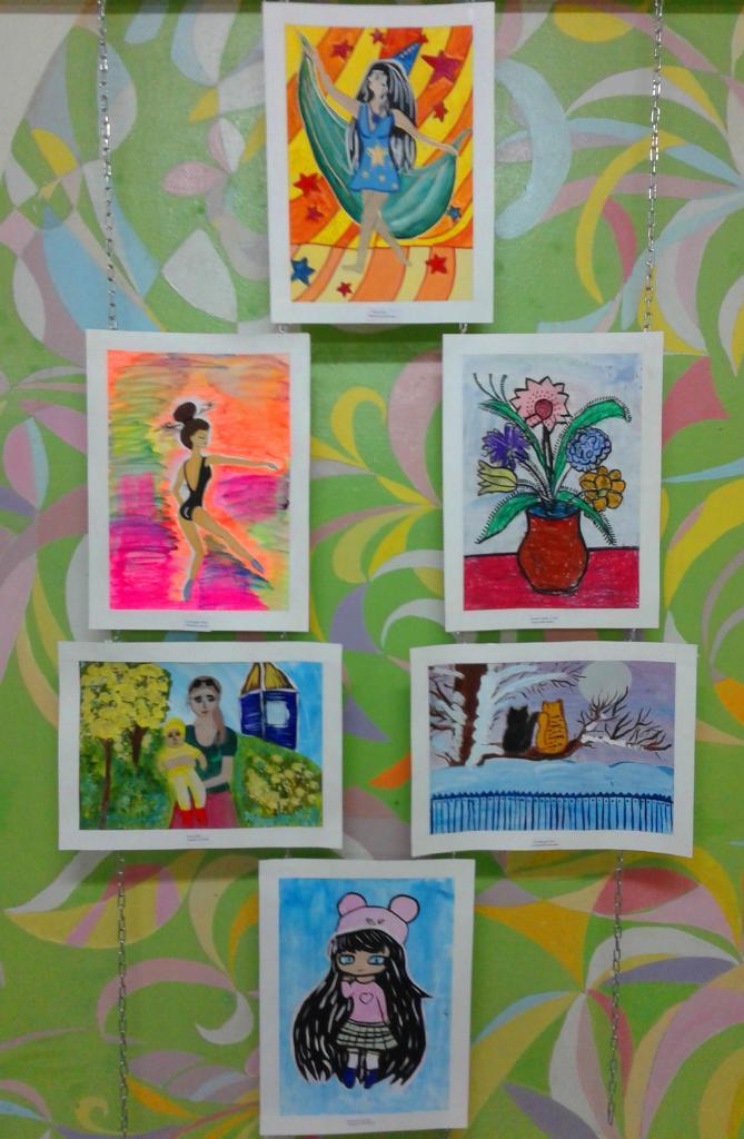 Выставка рисунков 2