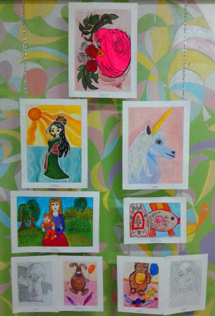 Выставка рисунков 3